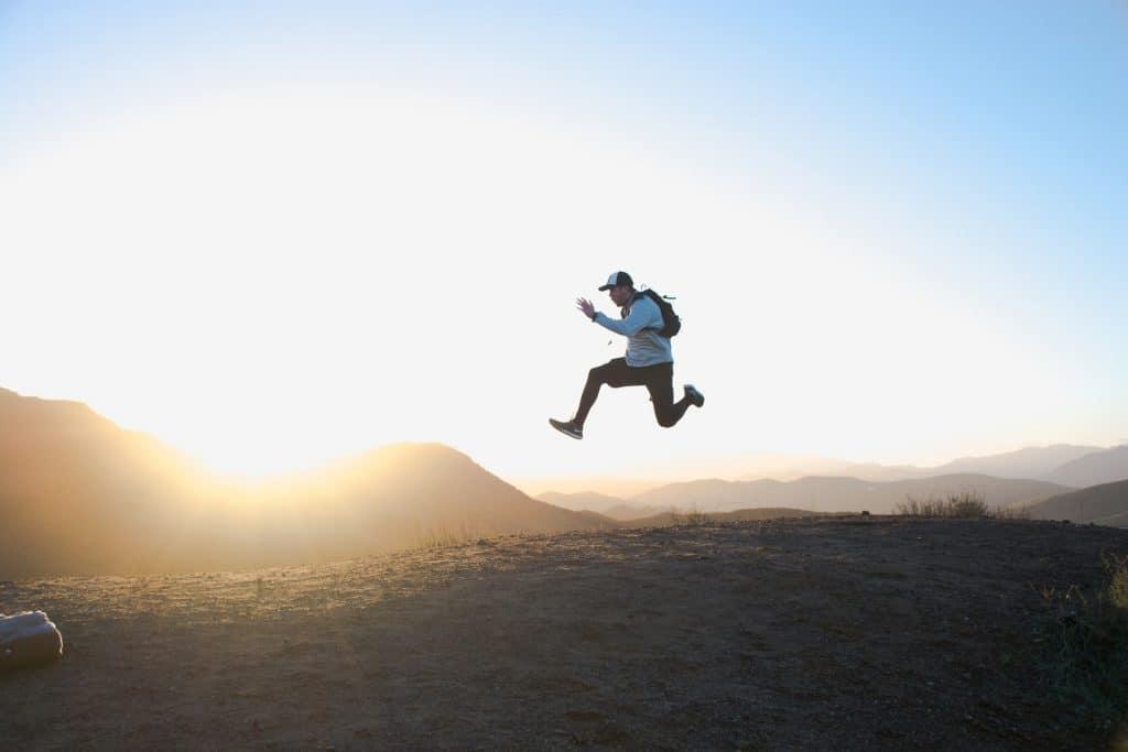 Alternative invisible grand saut